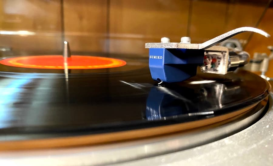 Sumiko Blue Point No. 3 High Output Phono Cartridge Playing