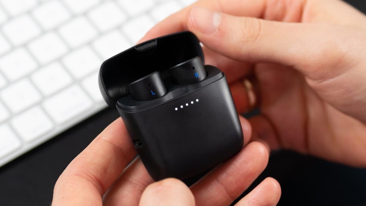 Cambridge Audio Melomania 1+ Wireless Earbuds Black in Case