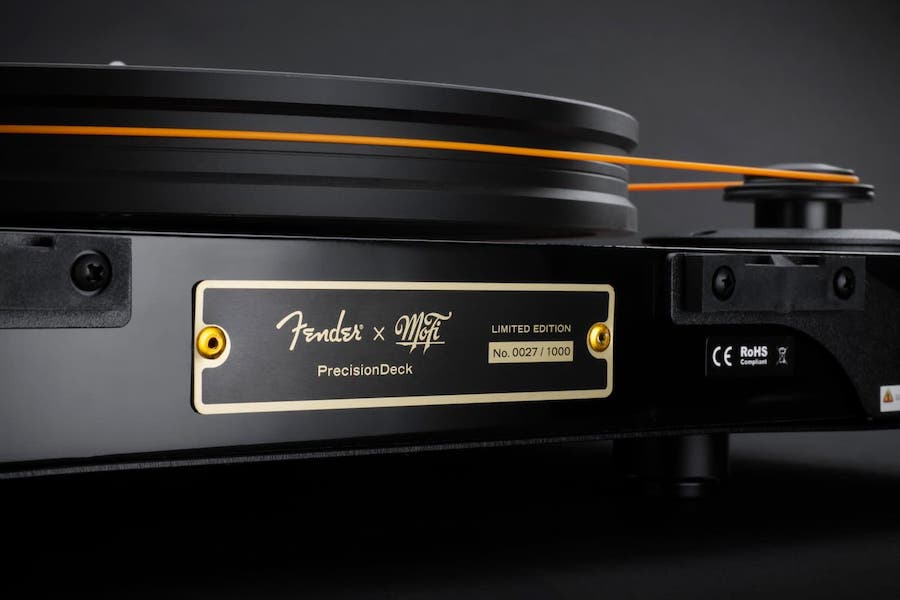 mofi-fender-precisiondeck-limited-edition-turntable-2