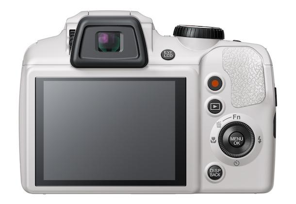 FujiFilm FinePix S8200 - back