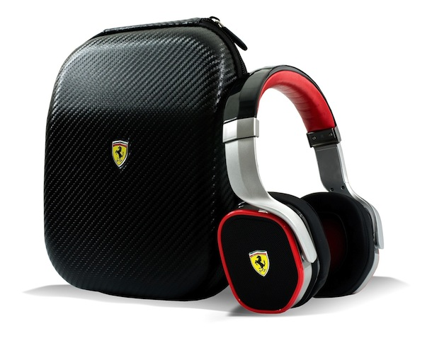 Scuderia Ferrari R300 Headphones with Case
