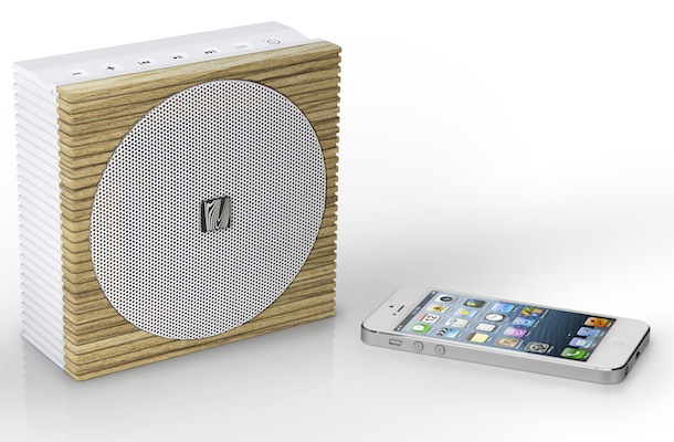Soundfreaq SFQ-07 Sound Spot Speaker with iPhone