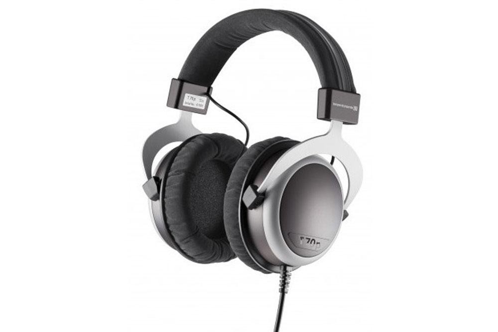 beyerdynamic-t70p-press-image.jpg