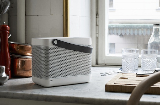 Bang & Olufsen Beolit 12 White Edition Lifestyle
