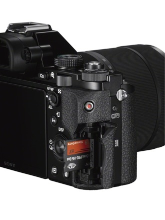 Sony ILCE-7S CardSlot